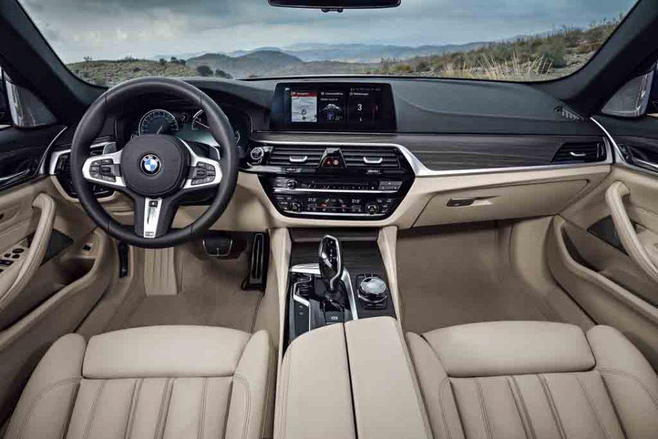 2017-BMW-5-Series-Touring-10.jpg
