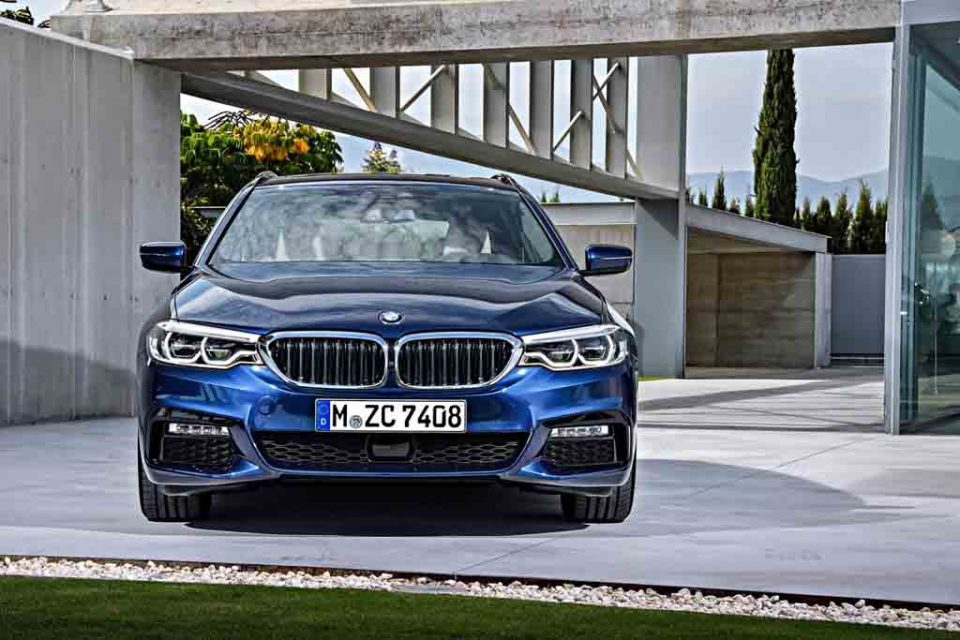 2017-BMW-5-Series-Touring-4.jpg