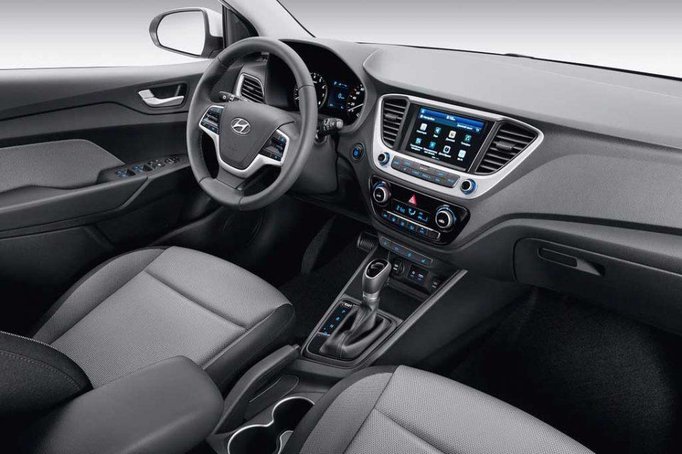2017-Hyundai-Solaris-7.jpg
