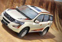 2017-Mahindra-XUV500-Sportz-1.jpeg