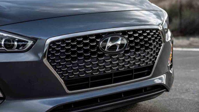 2018-Hyundai-Elantra-GT-2.jpg