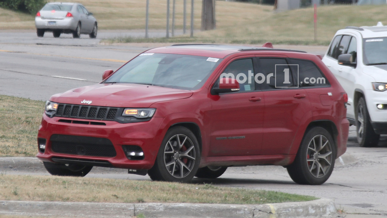 700 hp jeep grand cherokee trackhawk may debut in april. Black Bedroom Furniture Sets. Home Design Ideas