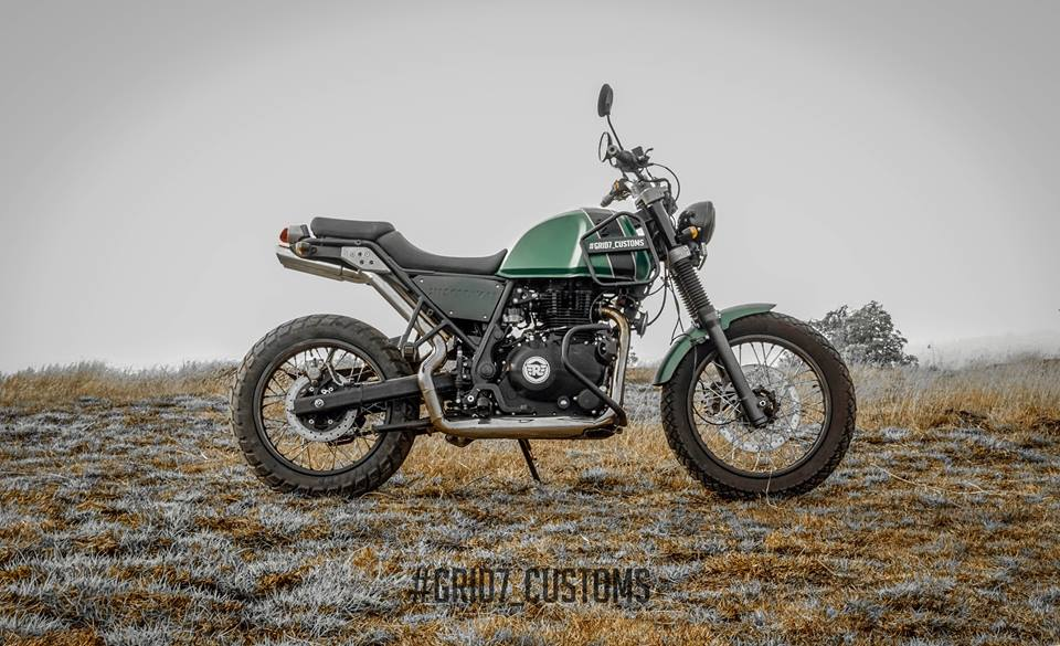 modified royal enfield himalayan stuns with bossy postures. Black Bedroom Furniture Sets. Home Design Ideas