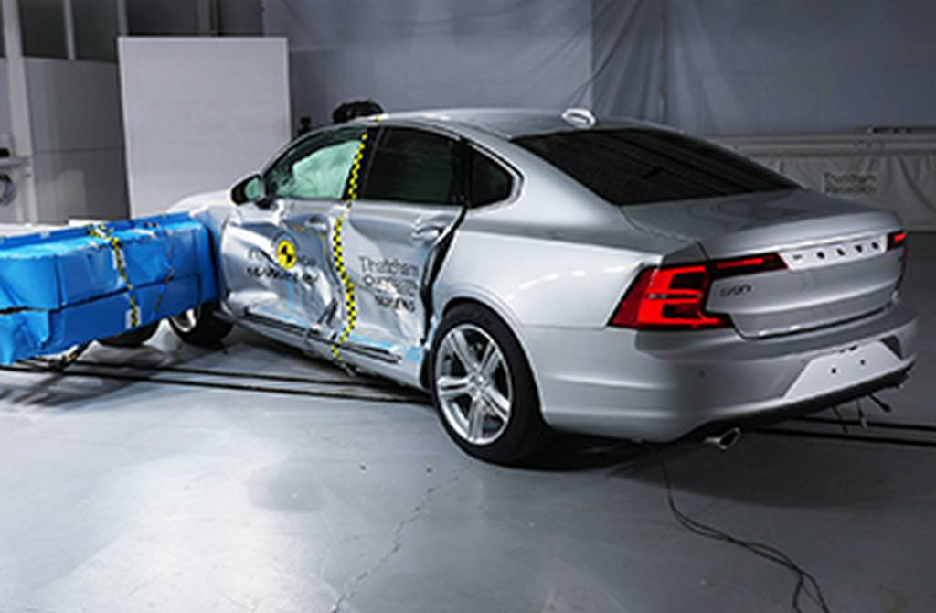 Euro Ncap Rates Volvo S90 And V90 As Most Safest Cars 2017 Aeb For Pedestrians 1