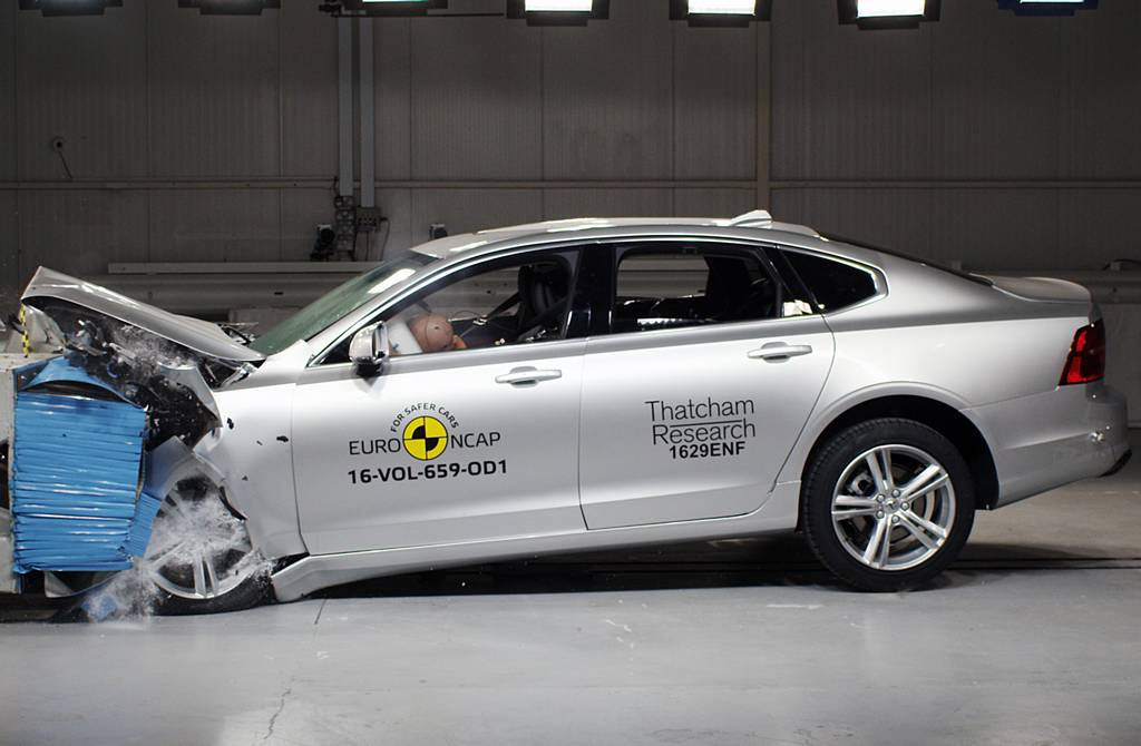 Euro NCAP Rates Volvo S90 and V90 as Most Safest Cars 2017 AEB for Pedestrians 2