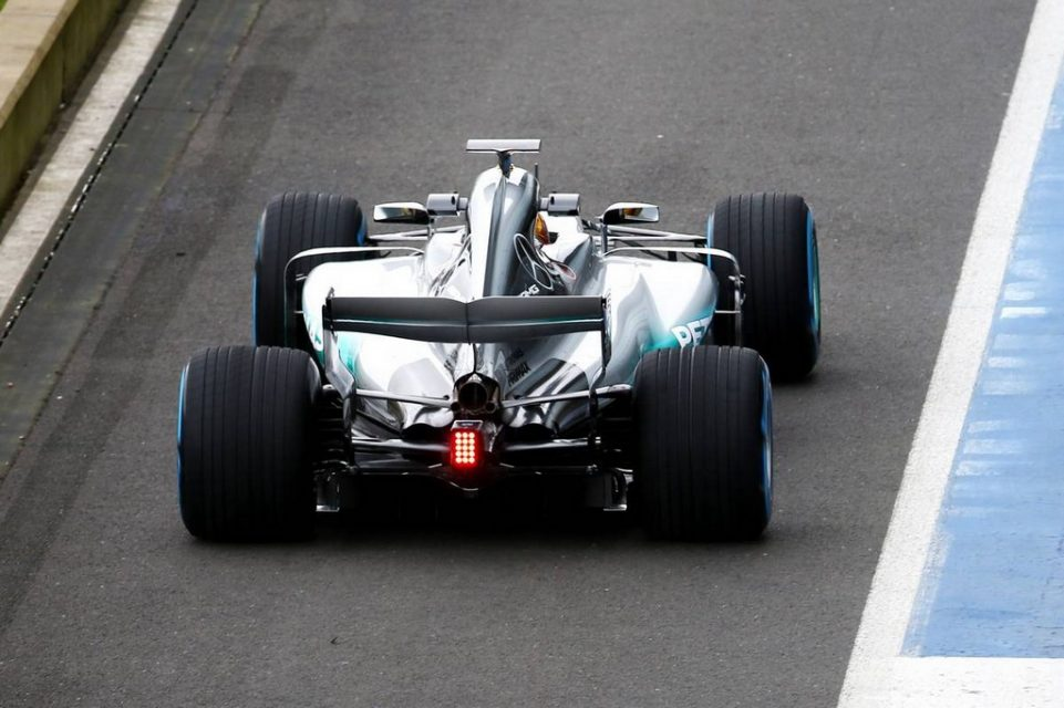 Formula One 2017 Mercedes-AMG Petronas W08 F1 Car 1