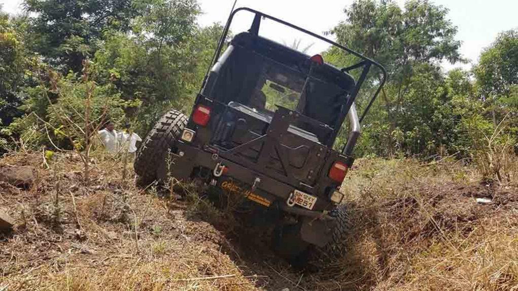 Mahindra-Thar-6-Wheel-1.jpg