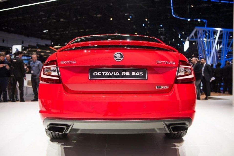 2017 skoda octavia rs price engine specs features overview. Black Bedroom Furniture Sets. Home Design Ideas