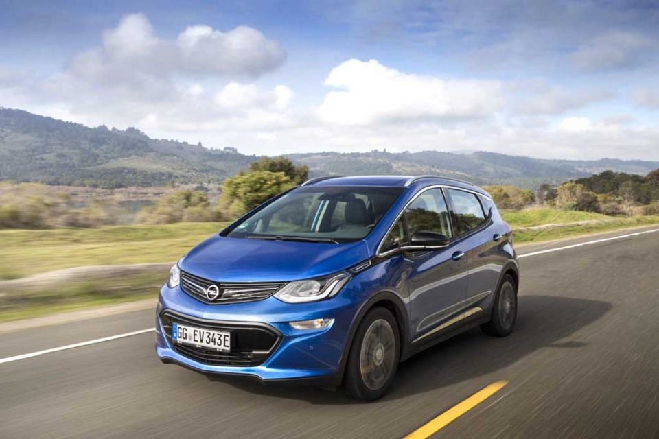 2017-Opel-Ampera-e-1.jpg
