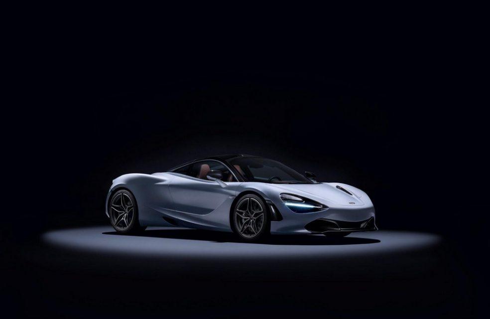 McLaren unveils 720S