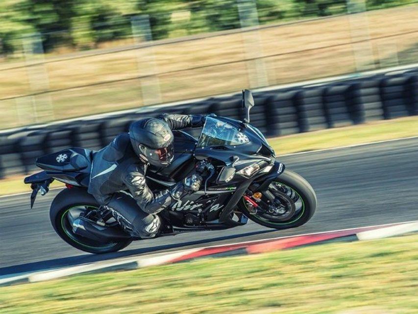 Ninja ZX10RR Kawasaki India 2
