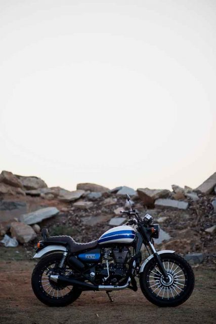 Royal-Enfield-Thunderbird-350-Bulleteer-Customs-1.jpg