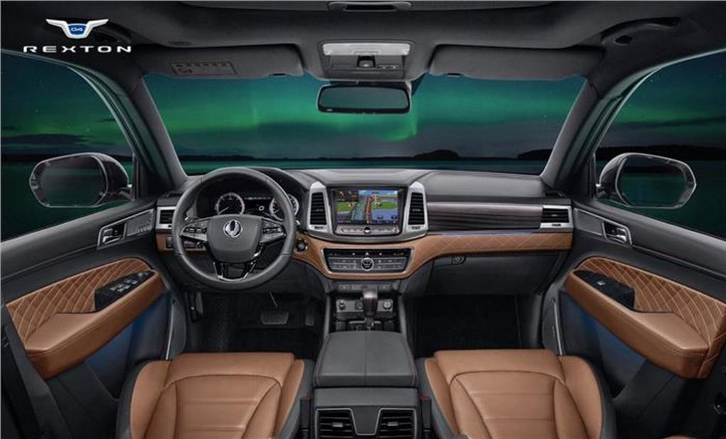 SsangYong Rexton Mahindra Y400 Fortuner Rival 2