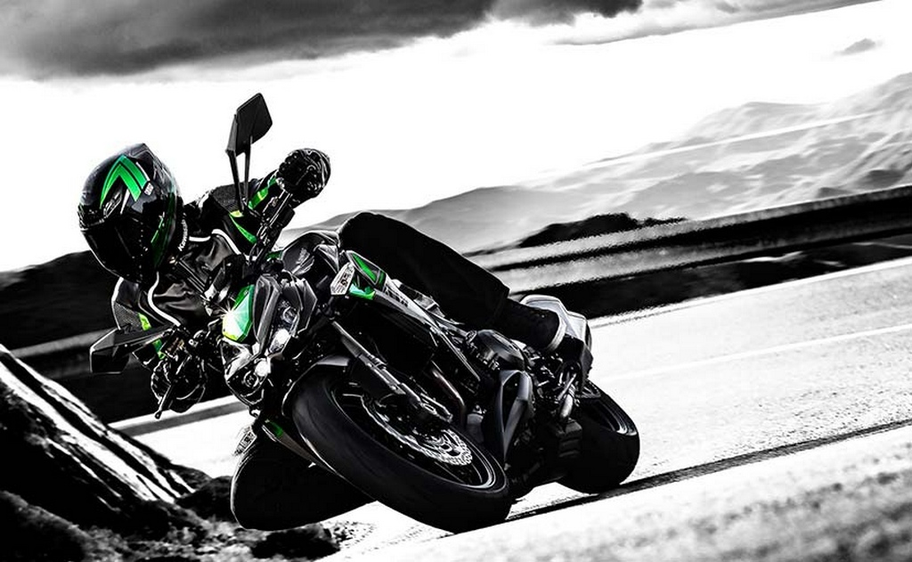 Range-Topping 2017 Kawasaki Z1000 Launched in India at Rs ...