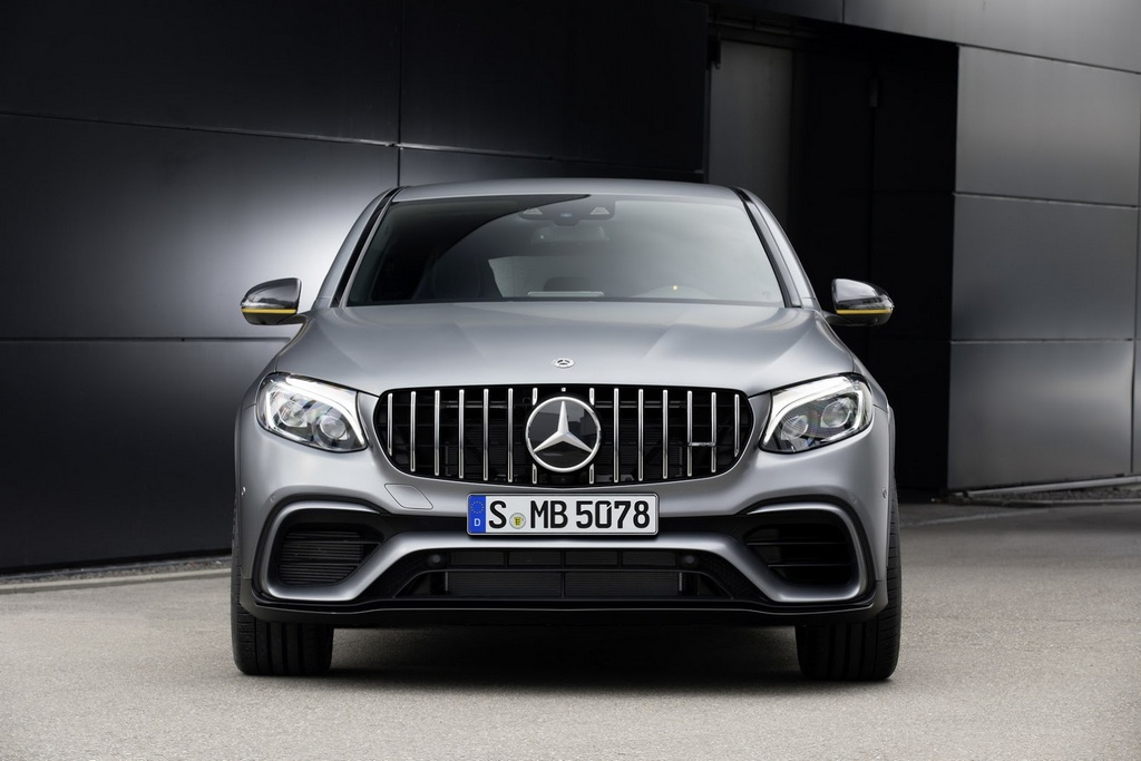mercedes amg glc 63 makes debut in new york with biturbo. Black Bedroom Furniture Sets. Home Design Ideas