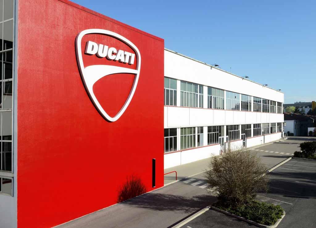 Ducati-3.jpg