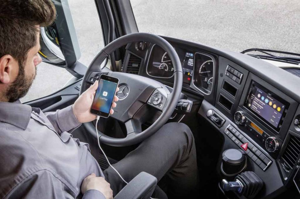 Mercedes-Benz-Smartphone-Integration-in-Truck-2.jpg