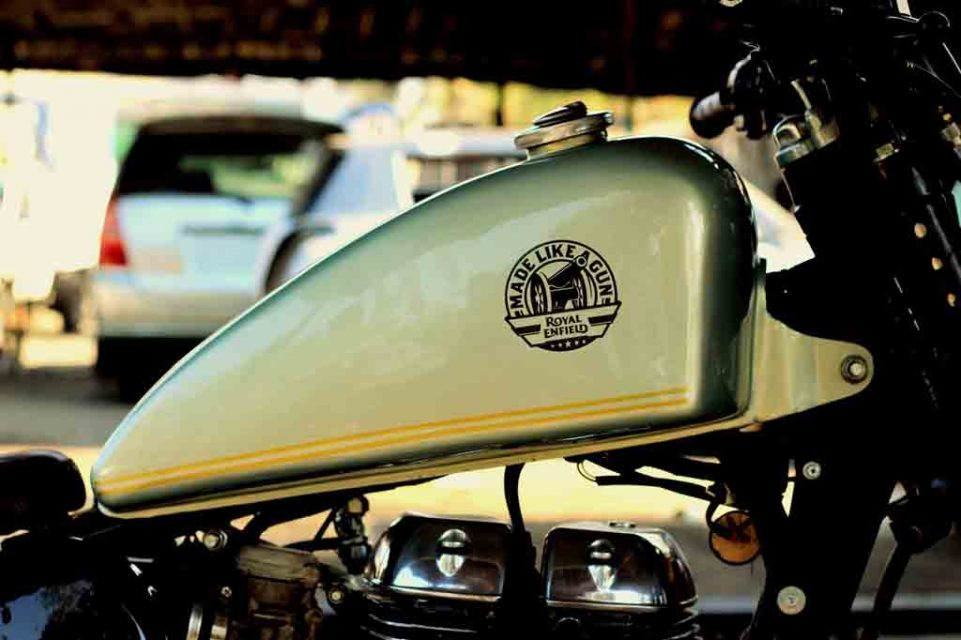 Royal-Enfield-Classic-350-Bobber-5.jpeg