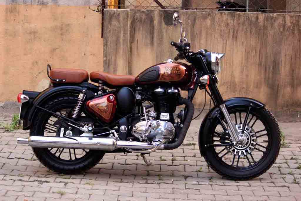 this modified royal enfield classic 500 looks eye candy. Black Bedroom Furniture Sets. Home Design Ideas
