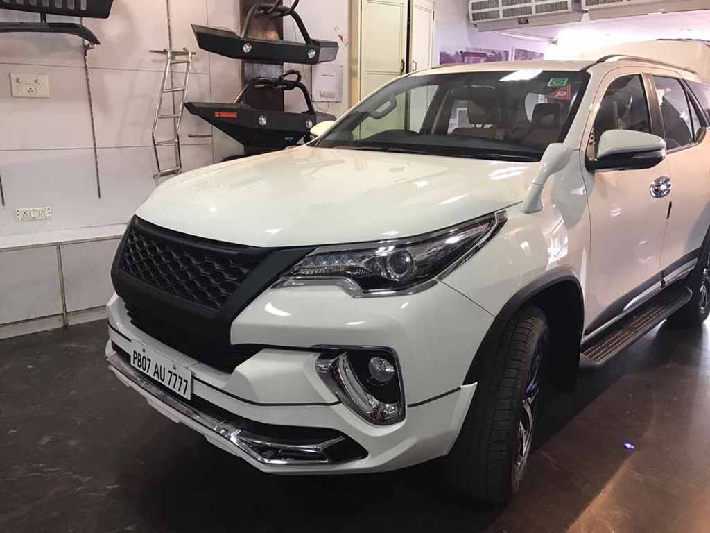 Toyota-Fortuner-Customised-2.jpg