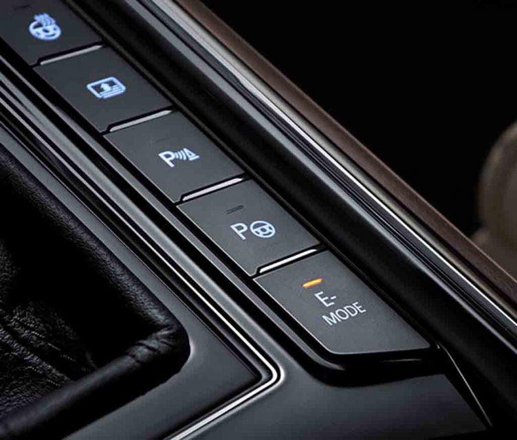 Volkswagen-Phideon-PHEV-4.jpg