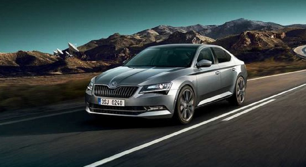 india bound 2018 skoda superb revealed with feature additions. Black Bedroom Furniture Sets. Home Design Ideas
