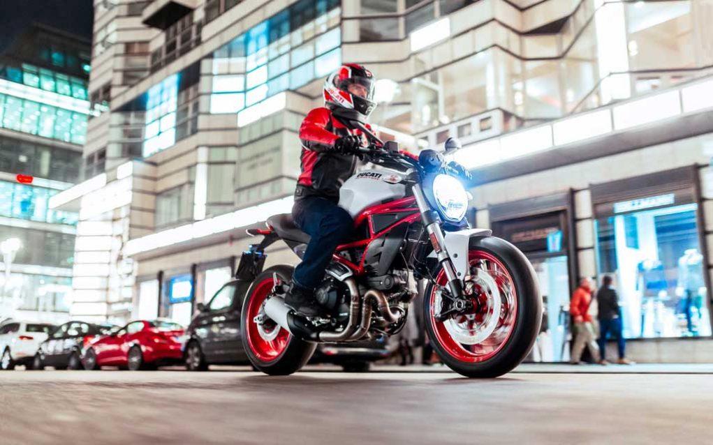 Ducati-Monster-797-9.jpg