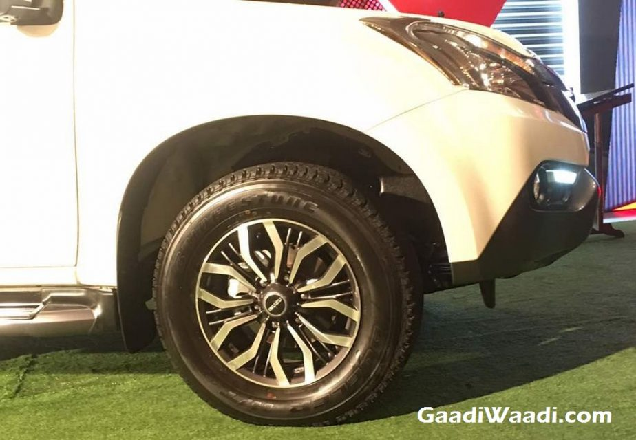 Isuzu MU-X SUV Launched in India Price, Engine, Specs, Features, Review