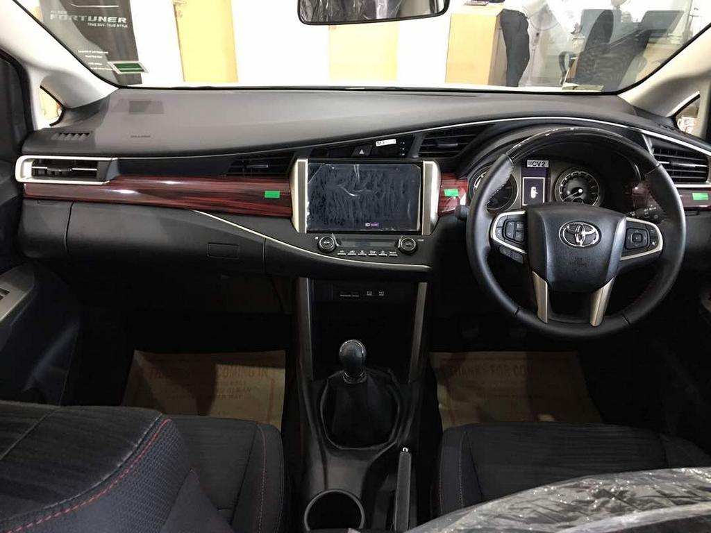 toyota innova crysta vs toyota innova touring sport specs comparison. Black Bedroom Furniture Sets. Home Design Ideas
