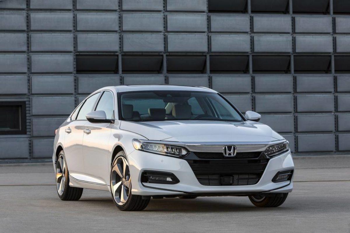 2018 Honda Accord India Launch Date Price Specs Features Pics