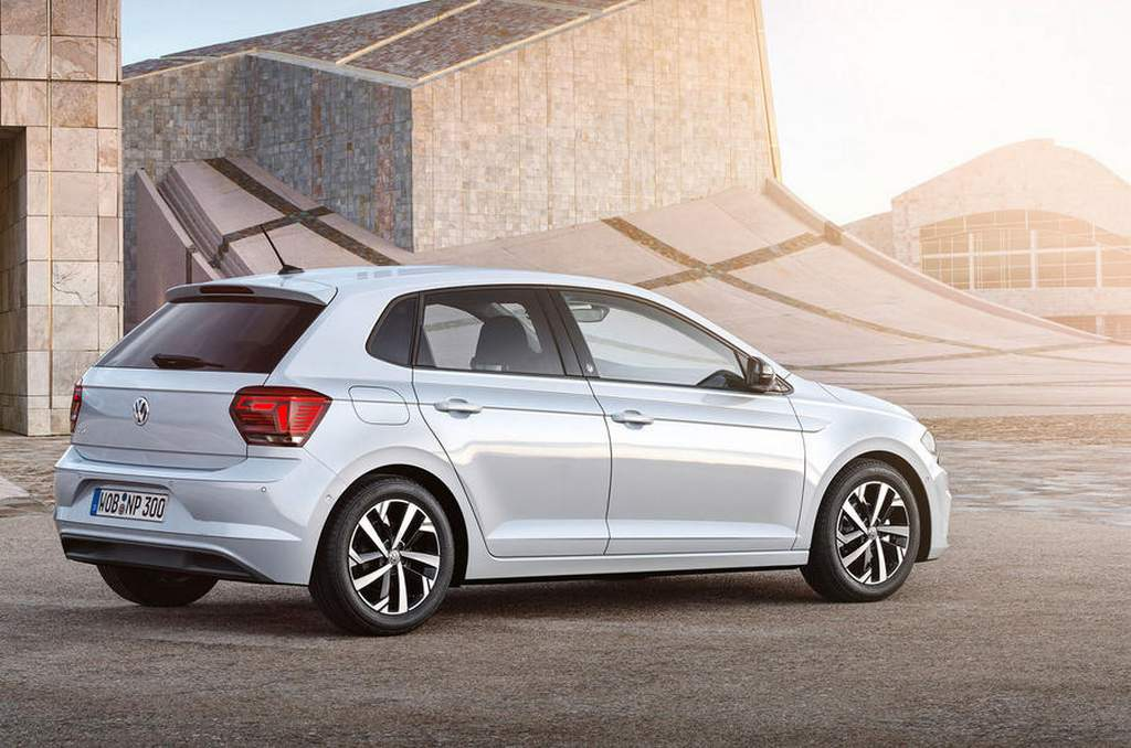 2018 volkswagen polo india launch price specs features interior. Black Bedroom Furniture Sets. Home Design Ideas