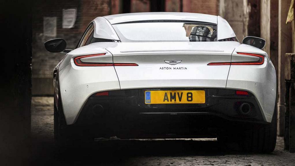Aston Martin DB11 V8 AMG 10