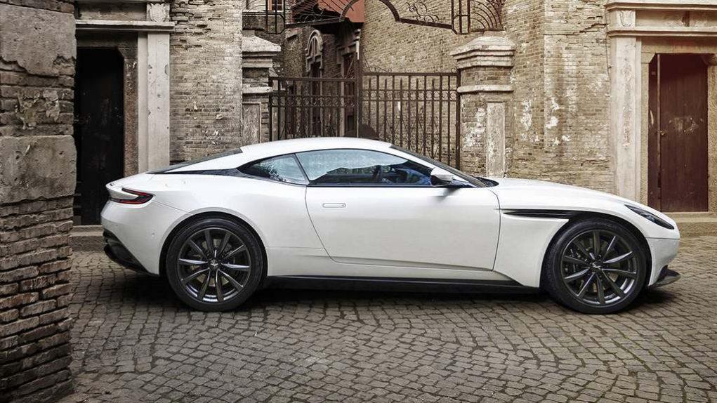 Aston Martin DB11 V8 AMG 7