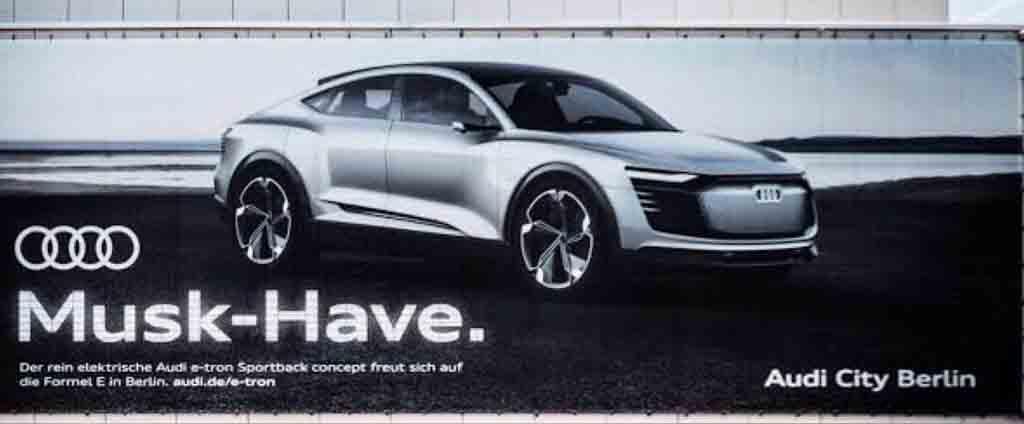 Audi-Mocks-tesla.jpg