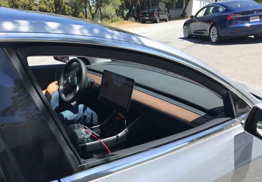 Tesla-Model-3-2.jpg