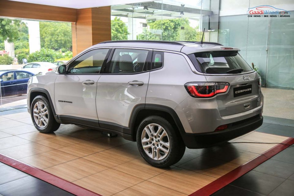 fca sees sales growth courtesy of new jeep compass. Black Bedroom Furniture Sets. Home Design Ideas