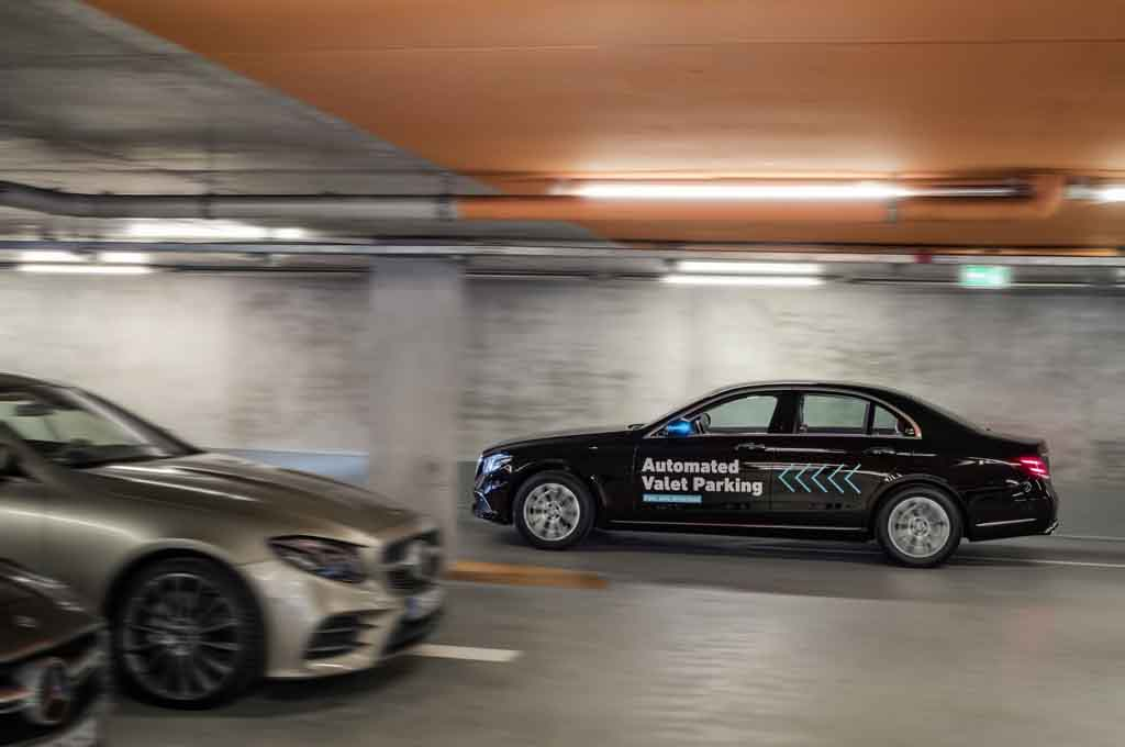 Mercedes-Autonomous-Valet-Parking-4.jpg