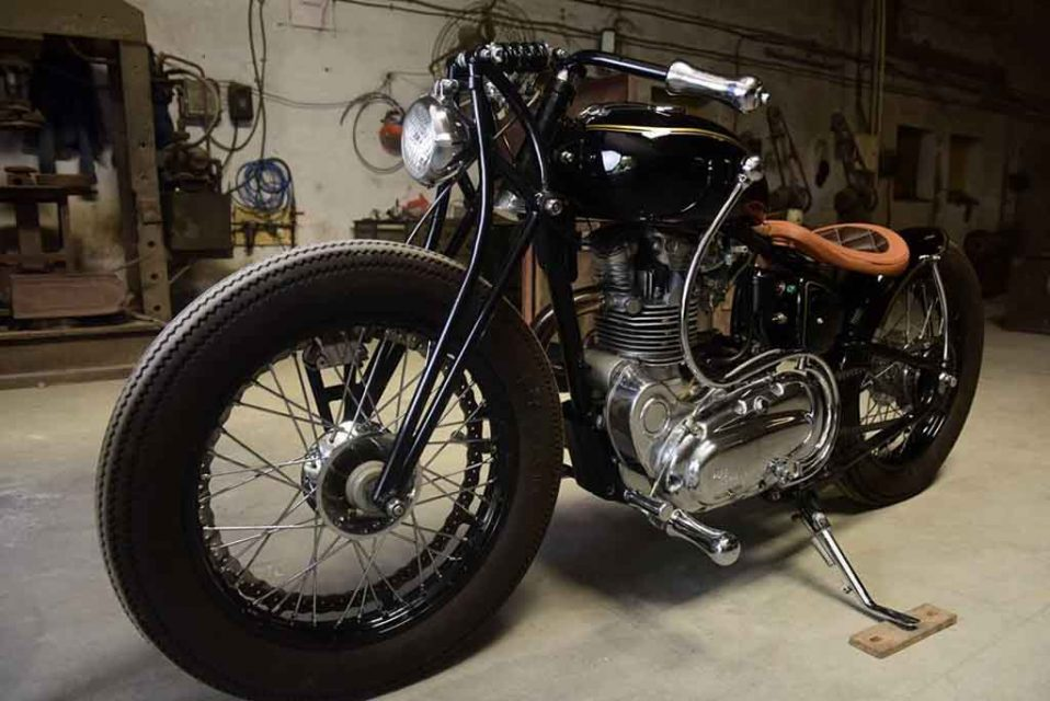 Royal-Enfield-Bobber-by-JD-Customs-15.jpg