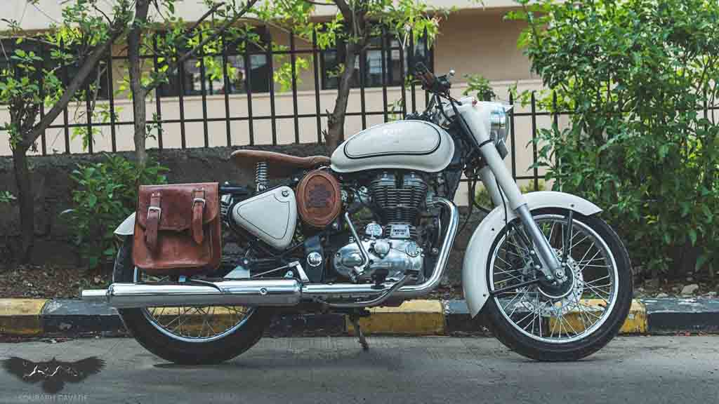Royal-Enfield-Bullet-500-Customised-by-Nomad-4.jpg