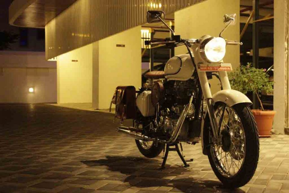 Royal-Enfield-Bullet-500-Customised-by-Nomad-6.jpg