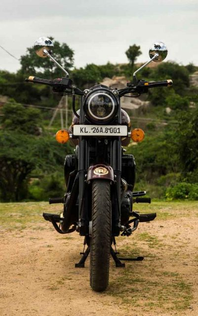 Royal-Enfield-Classic-500-by-Eimor-Customs-9.jpg