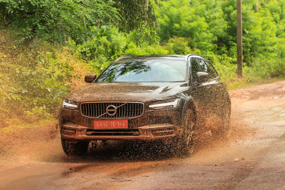 volvo v90 cross country india review85