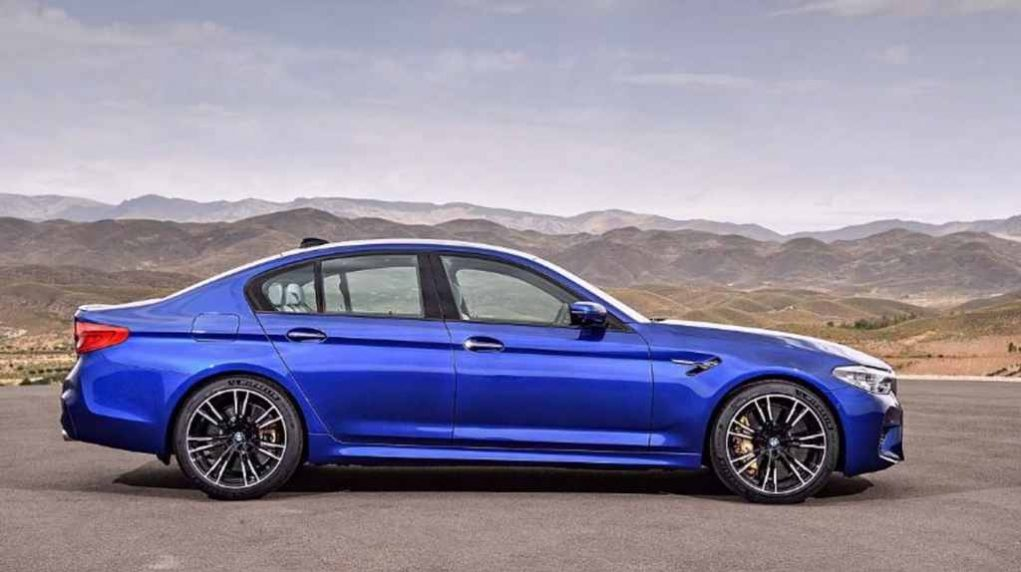 2018 BMW M5 Side