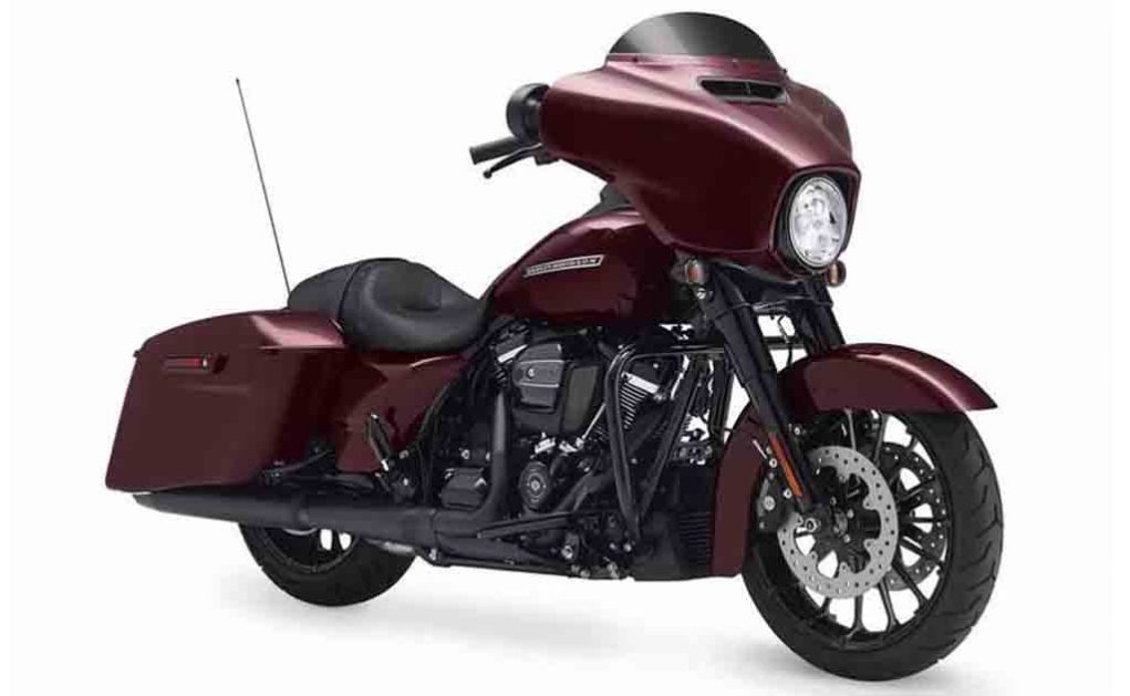 harley davidson launches four cvo models for 2018. Black Bedroom Furniture Sets. Home Design Ideas