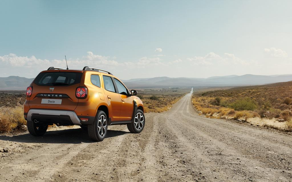 2018 renault duster unveiled. exellent duster the newgeneration 2018 renault duster has redesigned headlamps with led  daytime running lights integrated and new creases on the bonnet throughout renault duster unveiled u
