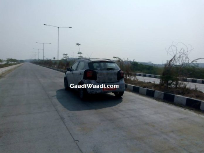Ford Figo Cross and Ford Figo Facelift Spied 2