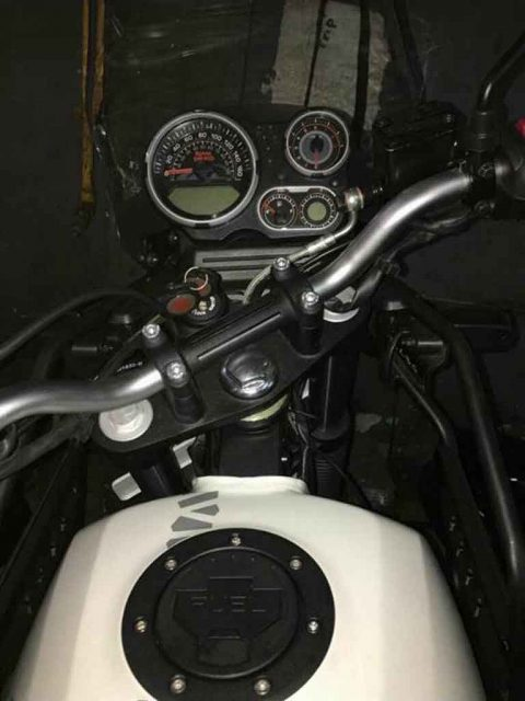 Royal-Enfield-Himalayan-BS4-3.jpg