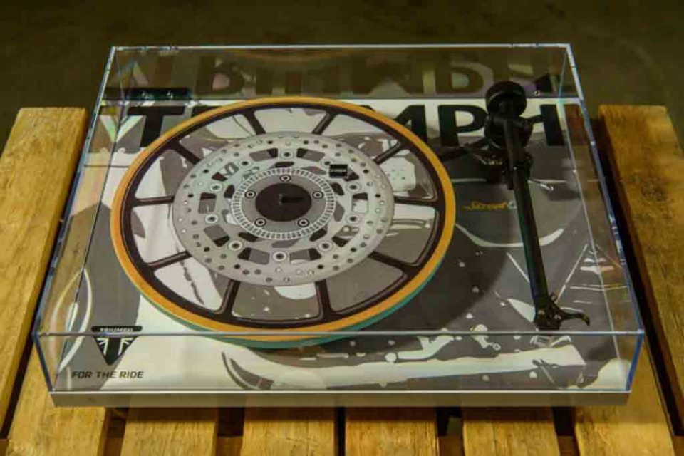 Triumph-Turntable.jpg