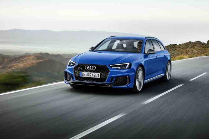2018-Audi-RS4-Avant-6.jpg