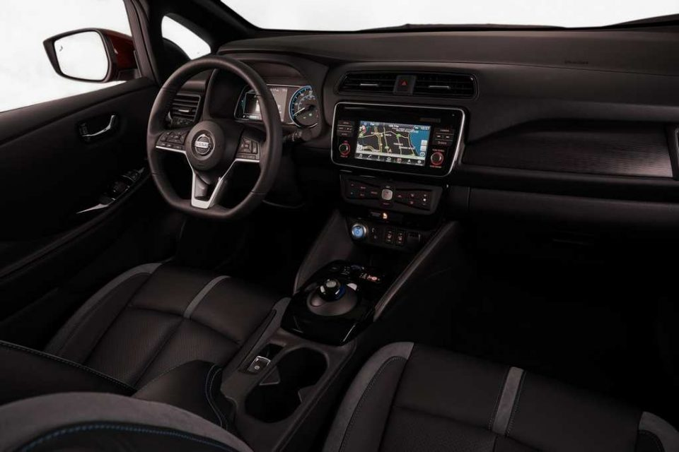 India-Bound Nissan Leaf Revealed Interior